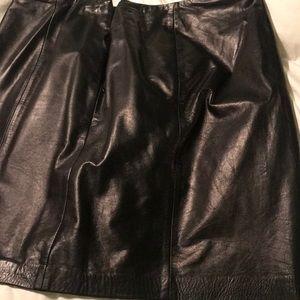 Leather skirt, like new, beautiful!